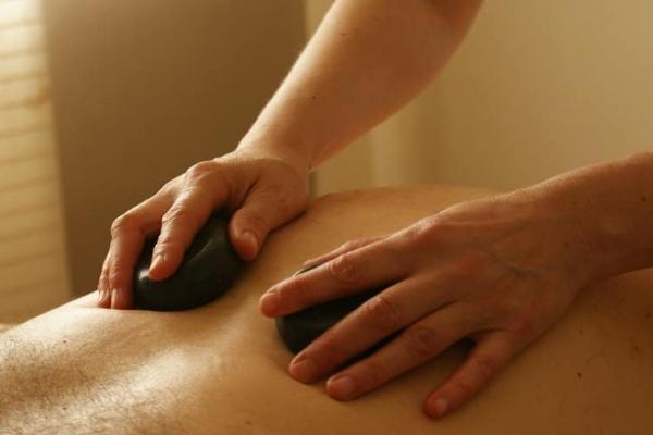 Kurs masażu kamieniami wulkanicznymi z elementami mobilizacji tkanek miękkich