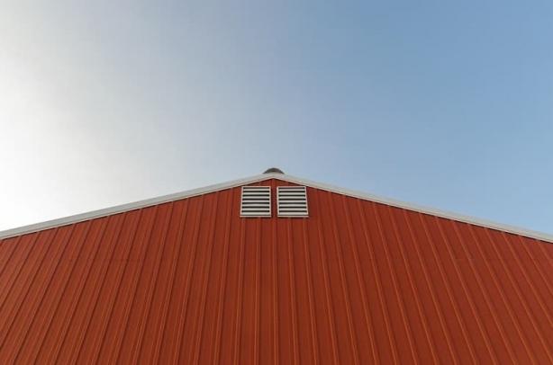 BHP przygotowujące do prac na wysokości przy oczyszczaniu dachu (zajęcia praktyczne)